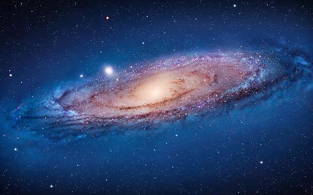 andromeda-galaxy-1096858_640