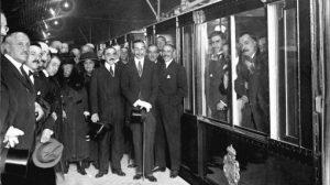 Rey Alfonso XIII inaugurando el metro de Madrid
